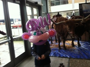 purple_balloon_twisting